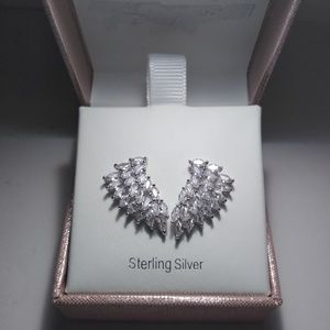 NWT Amazing Angel Wing Earrings